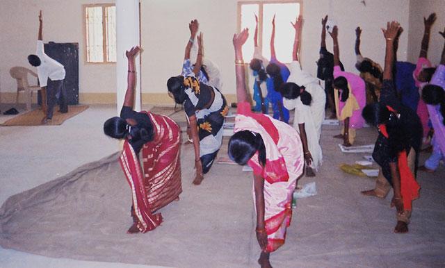Jornada solidaria de yoga. Sistema de reconducción vital