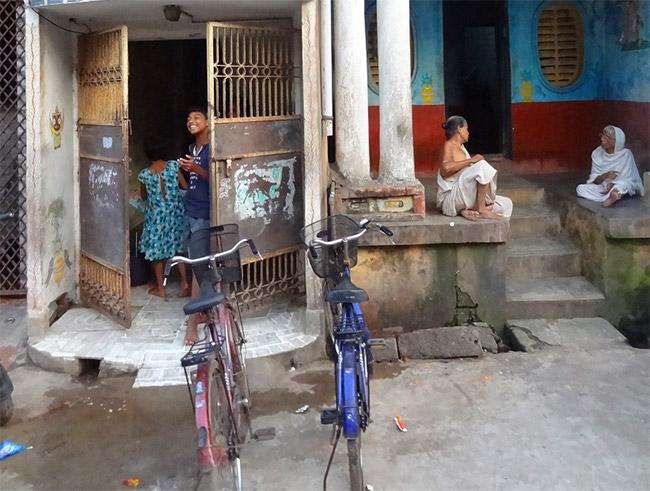 Viaje solidario: Etnias de Odisha en Semana Santa