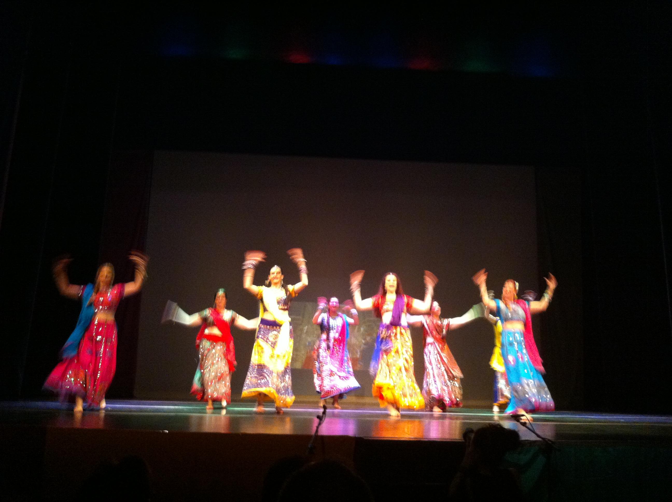 """El éxito del espectáculo de danza """"Los sonidos del Ganges"""""""