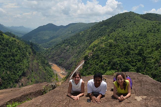 Viajeras en el entorno natural de Desia