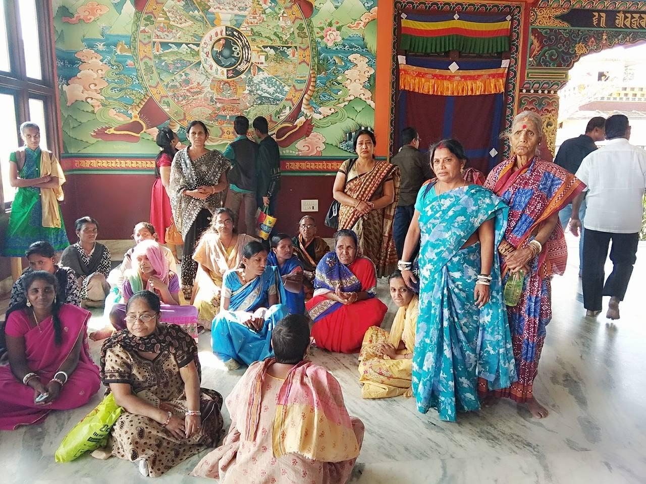 Tambien los internos de los centros de Gopalpur han ido  de excursión