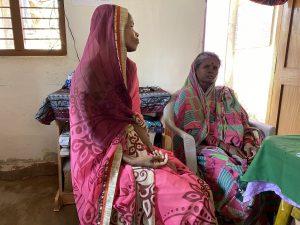 Rupali y su madre. entro de acogida de mujeres