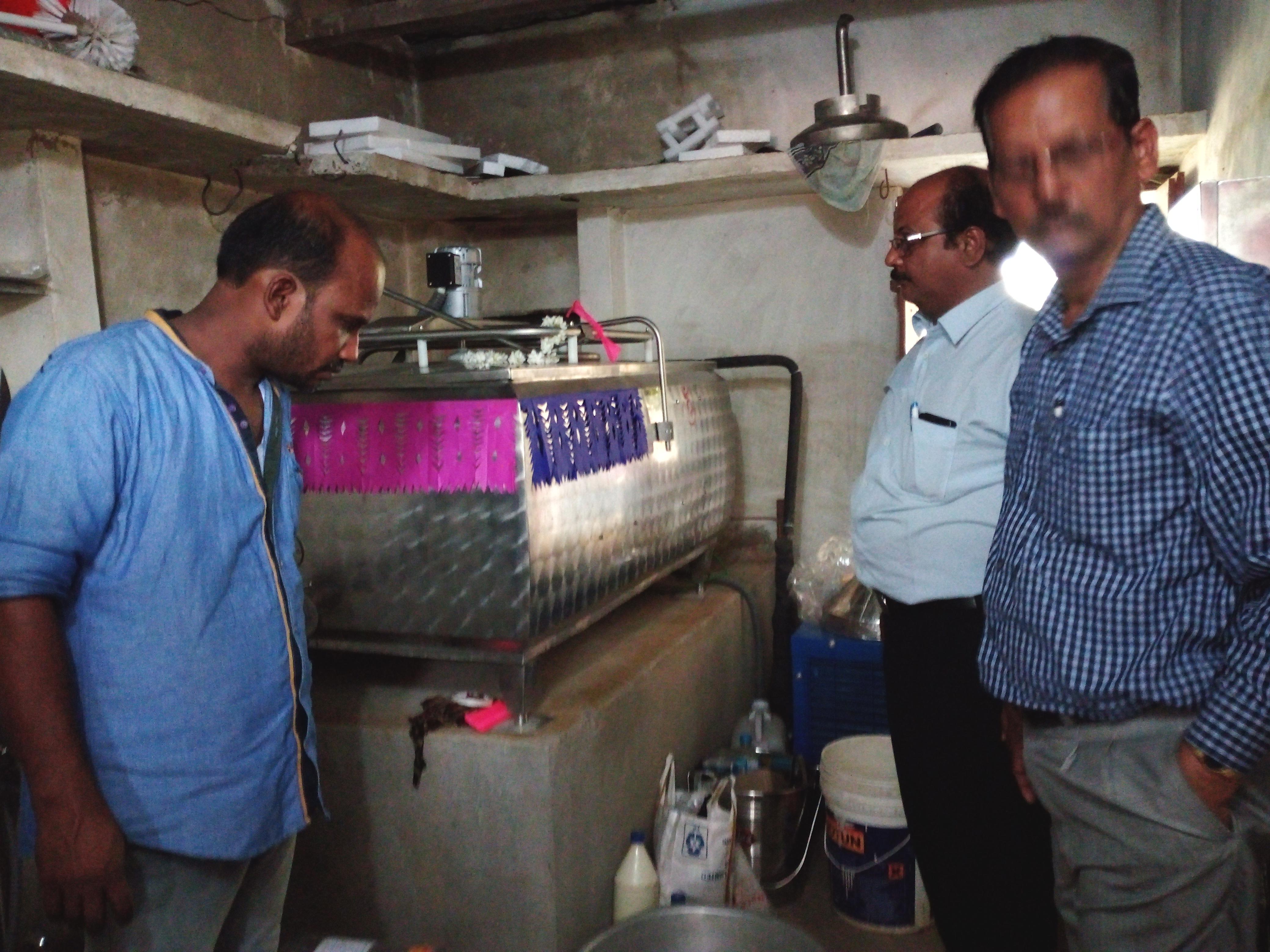 Inauguración del centro de recogida de leche
